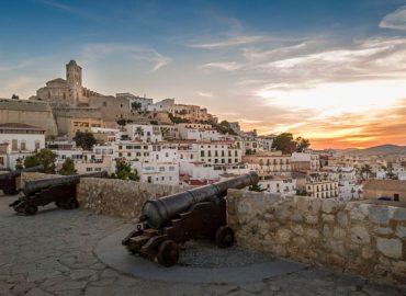 Discover the Dalt Vila, Ibiza Old Town