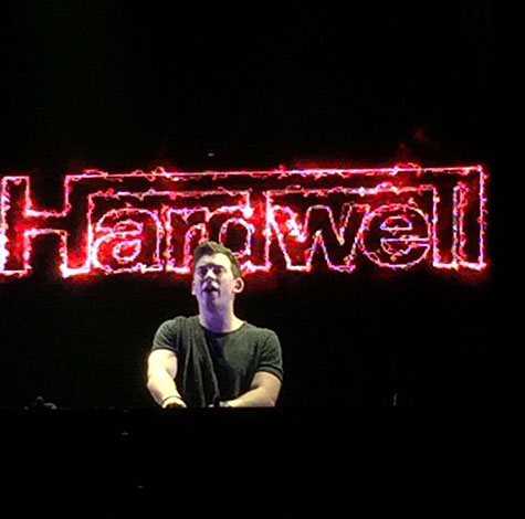 Hardwell setting the crowd alight at Ushuaia Ibiza