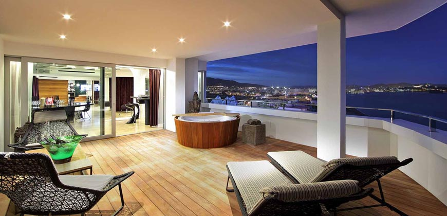 "Ushuaïa Tower Ibiza"">"