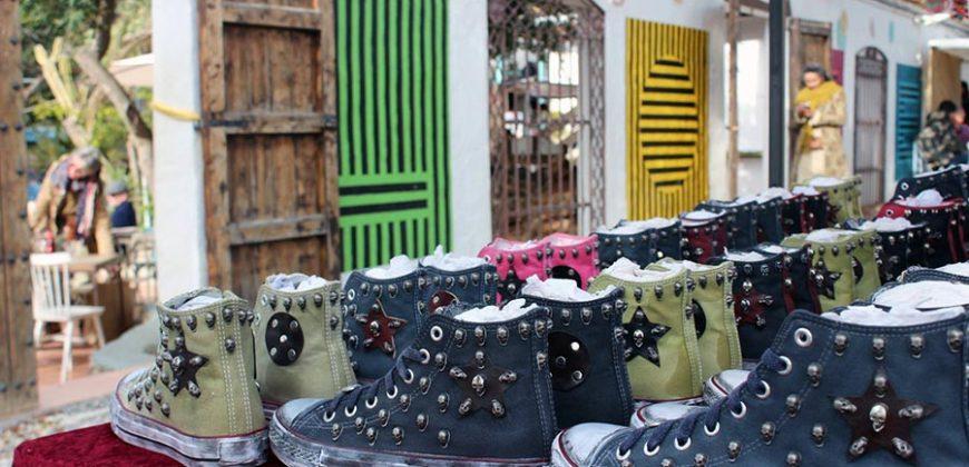 """Las Dalias Market"""">"""