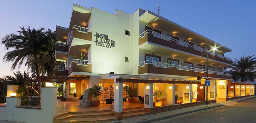 "Lux Isla Hotel"">"