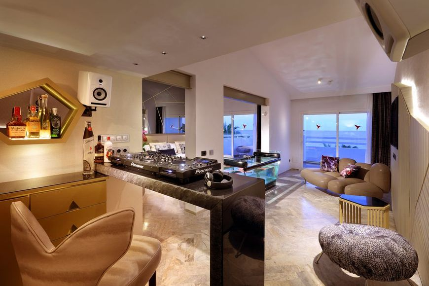 The pioneer suite Ushuaia ibiza beach hotel