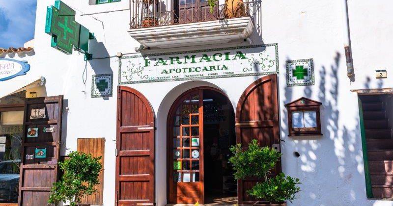 """Farmacia Apotecaria"""">"""