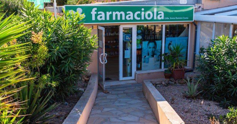 "Farmacia Cala Tarida"">"
